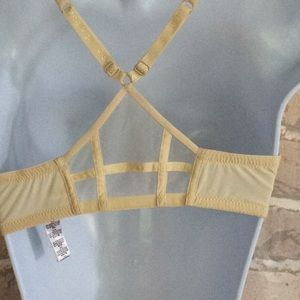 La Perla Intimates & Sleepwear - La Perla Embroidered front closure  Bra & Thong